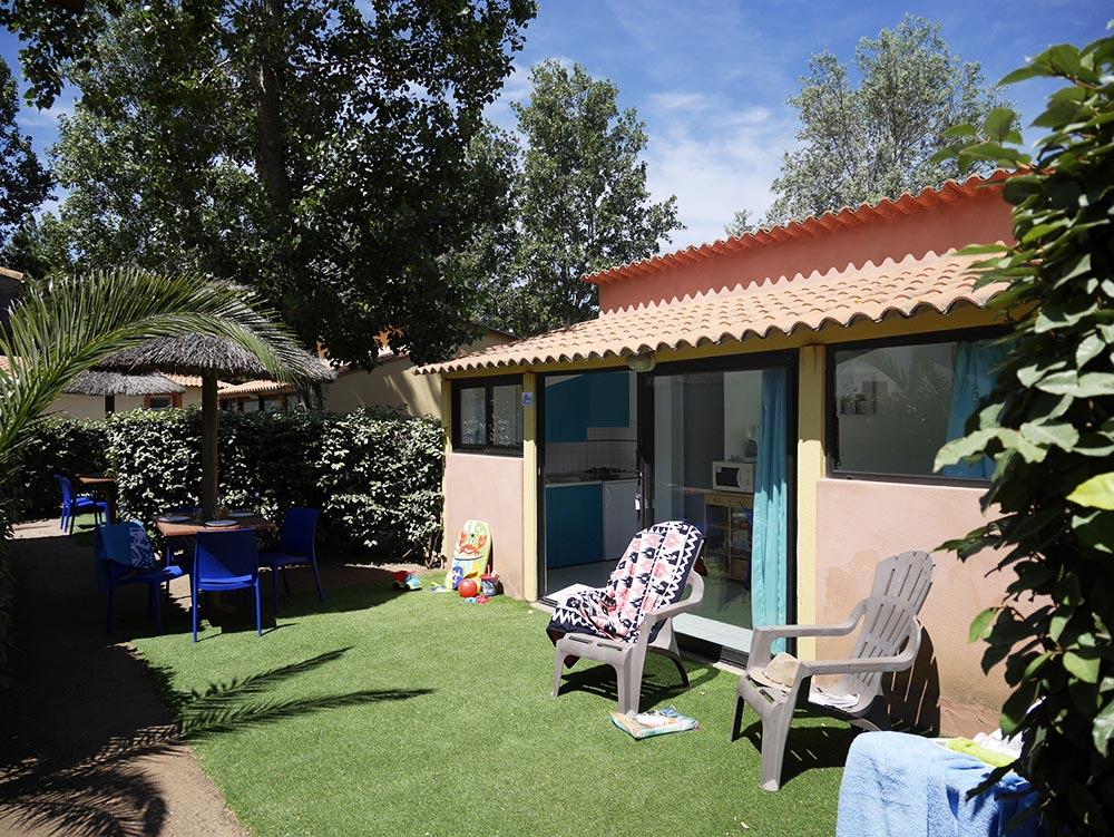 terrasse avec pelouse synthétique